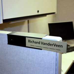 Cubicle_Nameplate_Holder